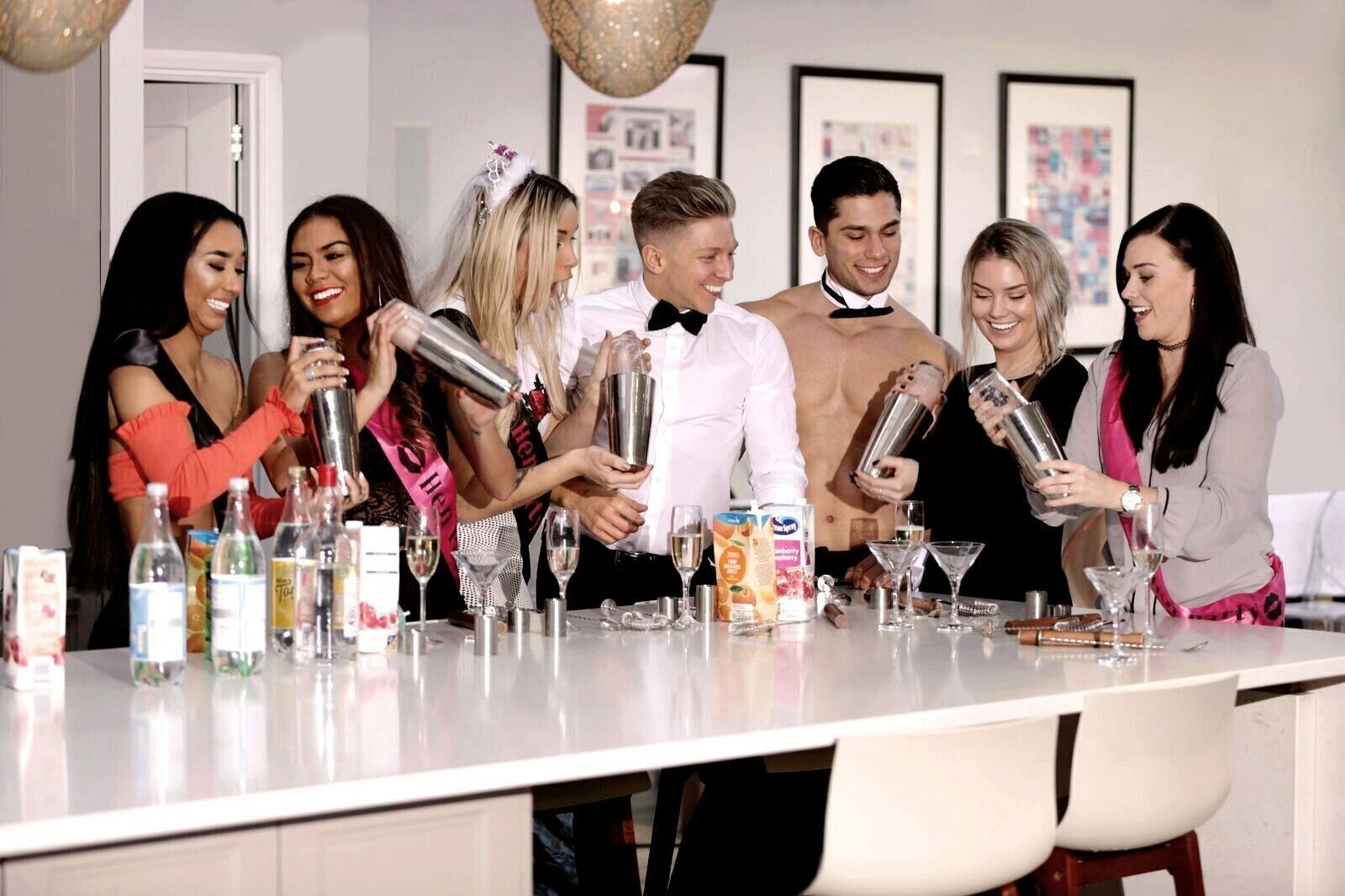 Classy hen do idea cocktail masterclass