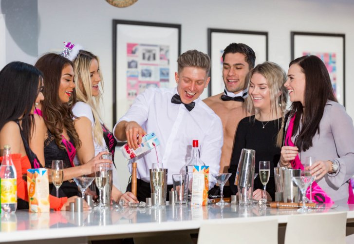 Hen Party Cocktail Class in action